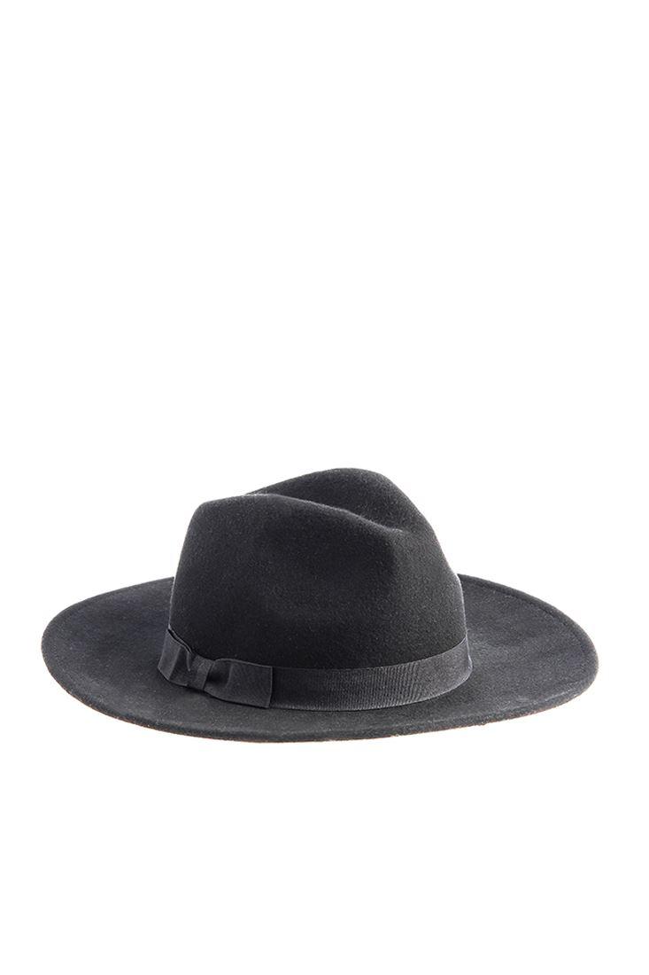 Fiyonklu Yün Şapka