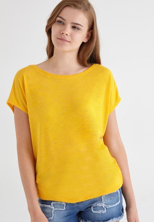 Turuncu Geniş Yakalı Tişört