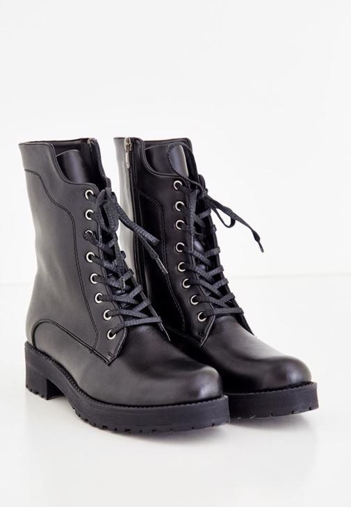 Zipper Detailed Boot