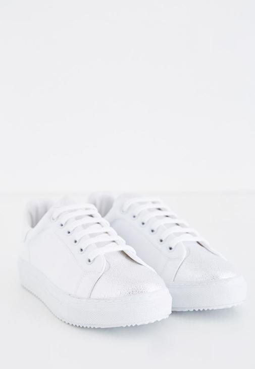 Sneakers With Metallic Detailed