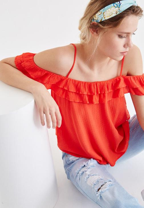 Blouse With Ruffle Detailed