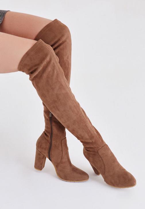Elbise ve Çizme Kombini
