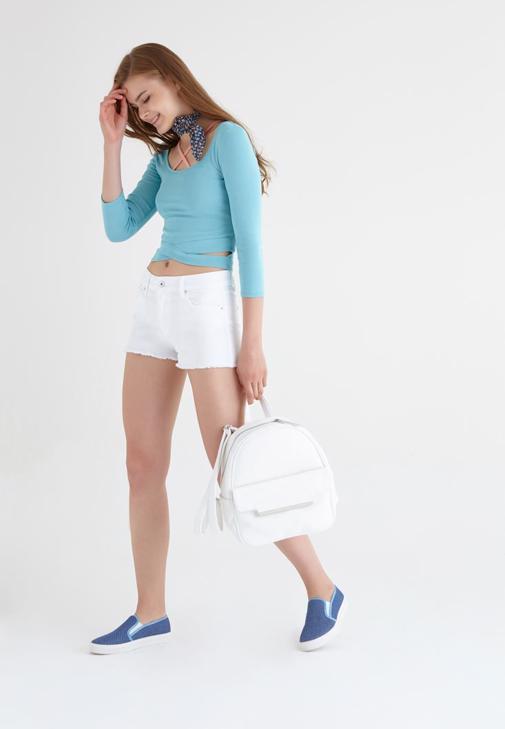 Beyaz Mavi Kombin