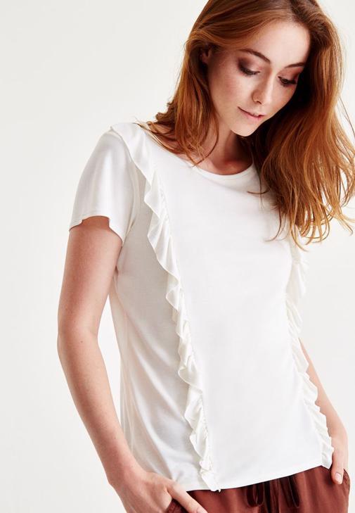 Yeşil Uzun Etek ve Beyaz Bluz Kombini