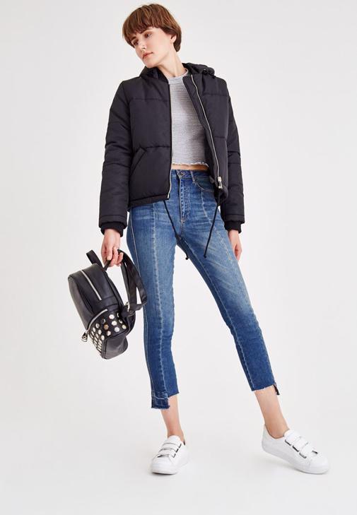 Siyah Mont ve Denim Pantolon Kombini