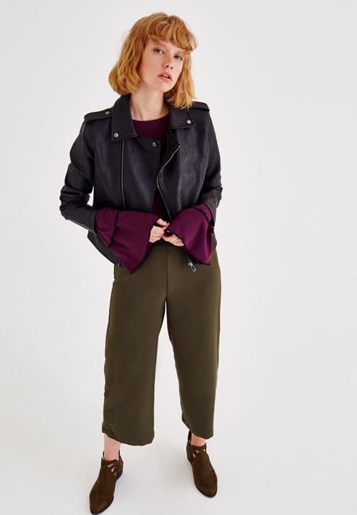 Deri Ceket ve Yeşil Pantolon Kombini