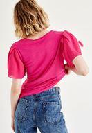 Pembe Bluz ve Denim Pantolon Kombini