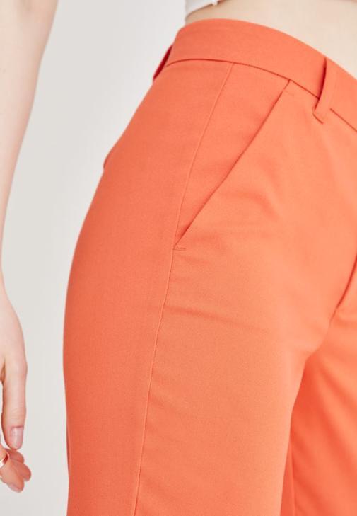 Şifon Ceket ve Kumaş Pantolon Kombini