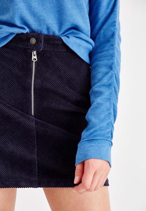 İp Detaylı Sweatshirt ve Mini Etek Kombini