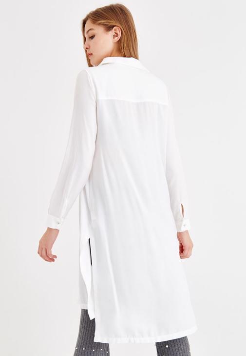 Uzun Kollu Gömlek ve İncili Pantolon Kombini