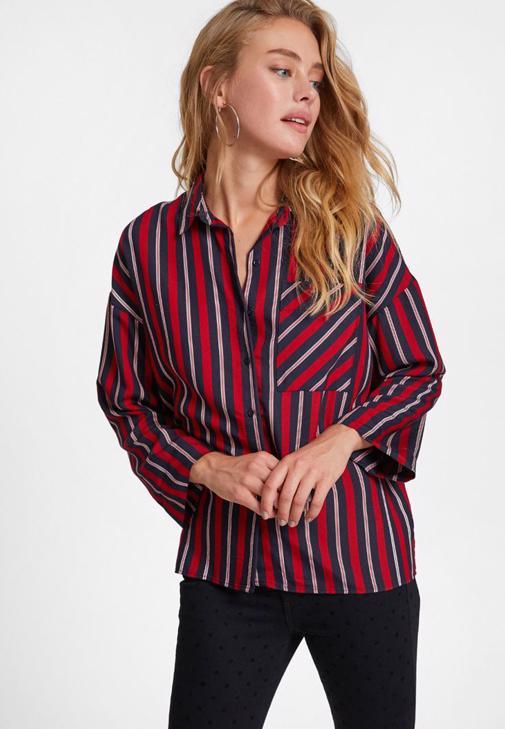 Sırt Detaylı Gömlek ve Puantiyeli Pantolon Kombini