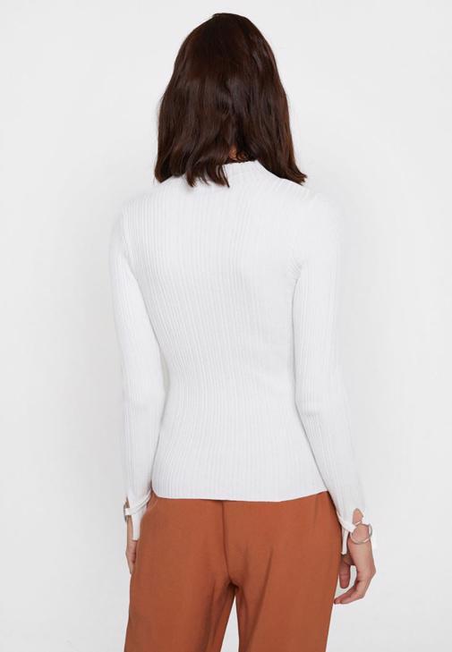 Gri Hırka ve Kahverengi Pantolon Kombini