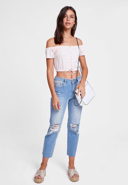 Bağlama Detaylı Bluz ve Jean Kombini