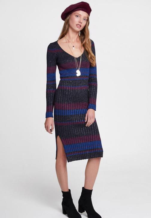 Çizgi Desenli Elbise ve Kürk Ceket Kombini