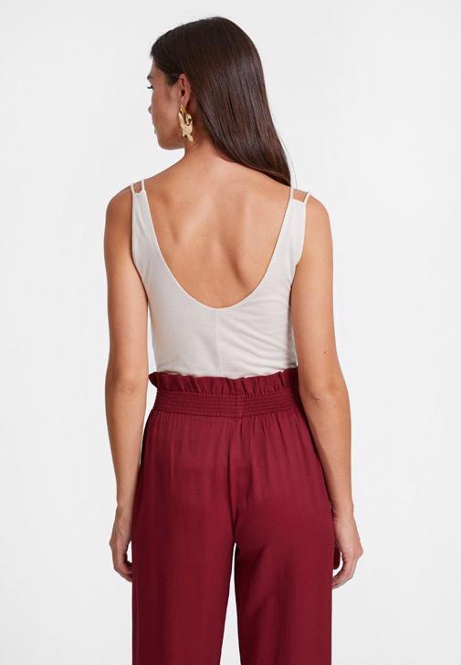 Çift Askılı Bluz ve Bol Pantolon Kombini