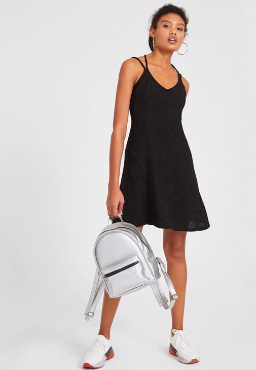 Siyah Sırt Detaylı Mini Elbise Kombini