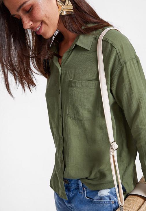 Yeşil Gömlek ve Jean Kombini