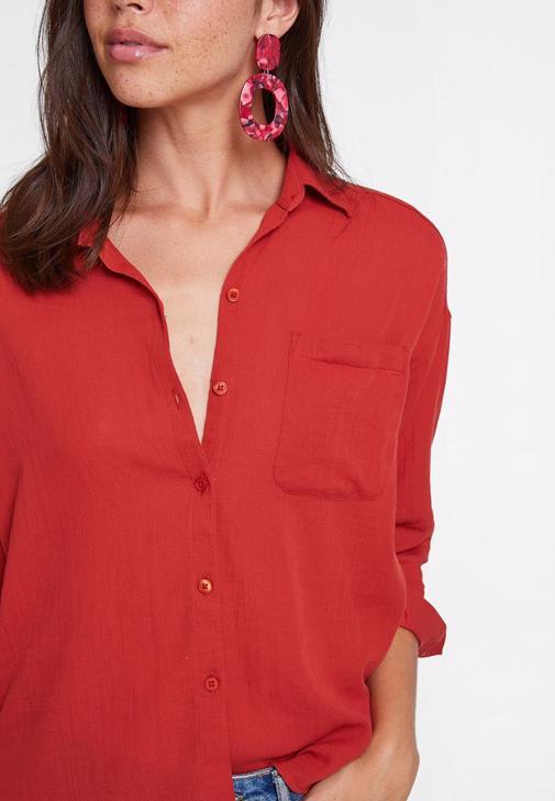 Jean Şort ve Gömlek Kombini
