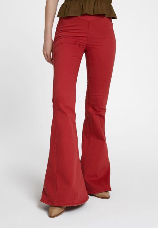 Flare Pantolon ve Gipeli Bluz Kombini