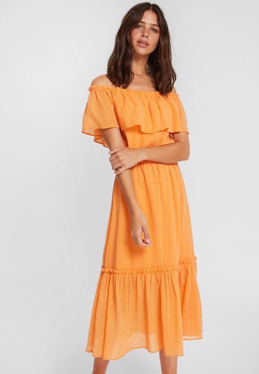 Düşük Omuzlu Turuncu Elbise Kombini
