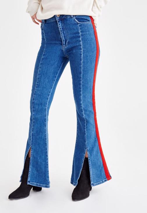 Şerit Detaylı Jean ve Sırt Detaylı Triko Kombini