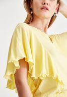 Sarı Bluz ve Gri Pantolon Kombini