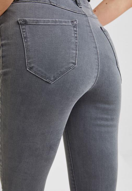 Pembe Bluz ve Pantolon Kombini
