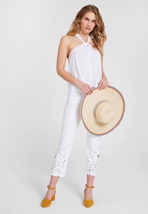 Beyaz Pantolon ve Bluz Kombini