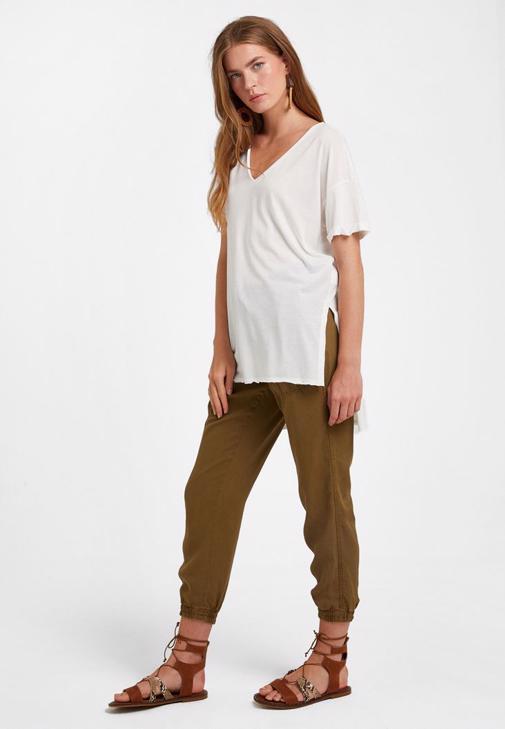 Oversize Tişört ve Jogger Pantolon Kombini