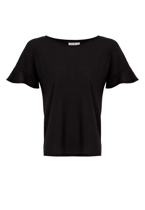 Fırfırlı Tişört ve Havuç Kesim Pantolon Kombini
