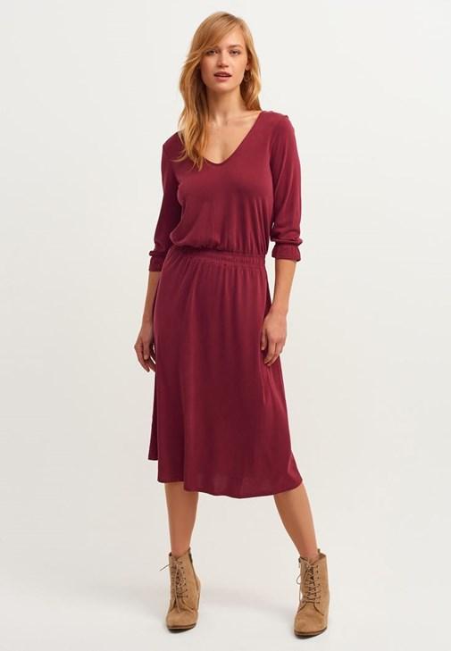 Sırt Detaylı Yumuşak Dokulu Elbise Kombini