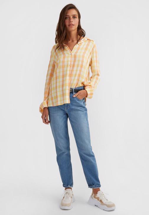 Uzun Kollu Gömlek Ve Mom Pantolon Kombini