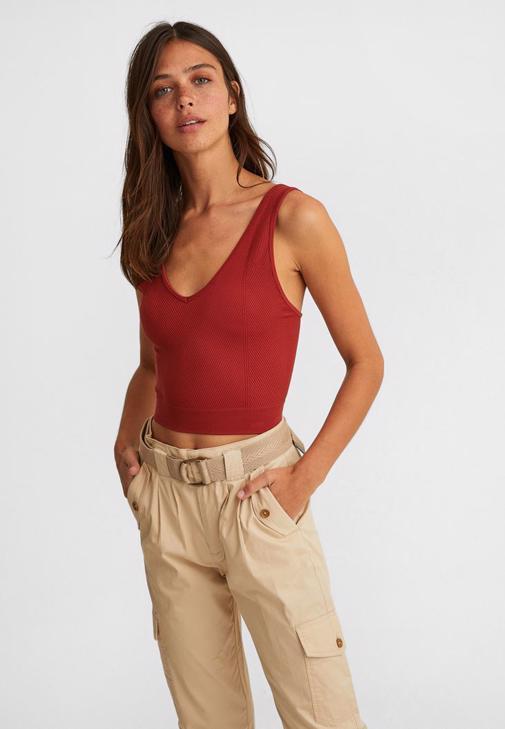 Dikişsiz Crop Top ve Kargo Pantolon Kombini
