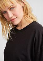 Basic Tişört ve Desenli Tayt Kombini