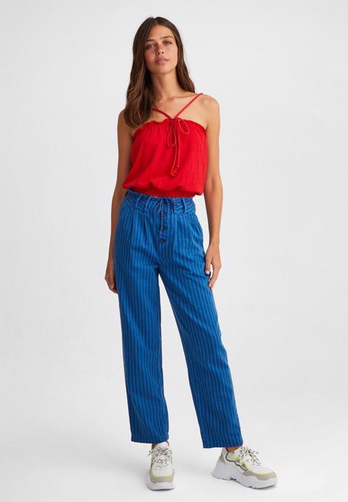 Askılı Crop Bluz ve Pantolon Kombini