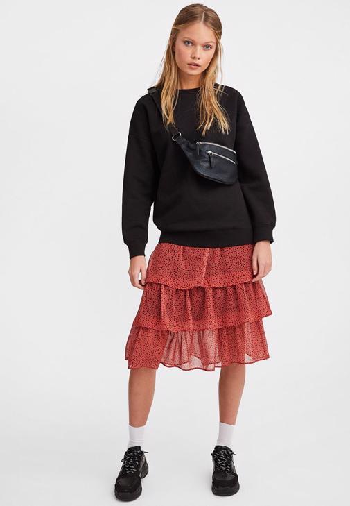 Midi Etek ve Sweatshirt Kombini