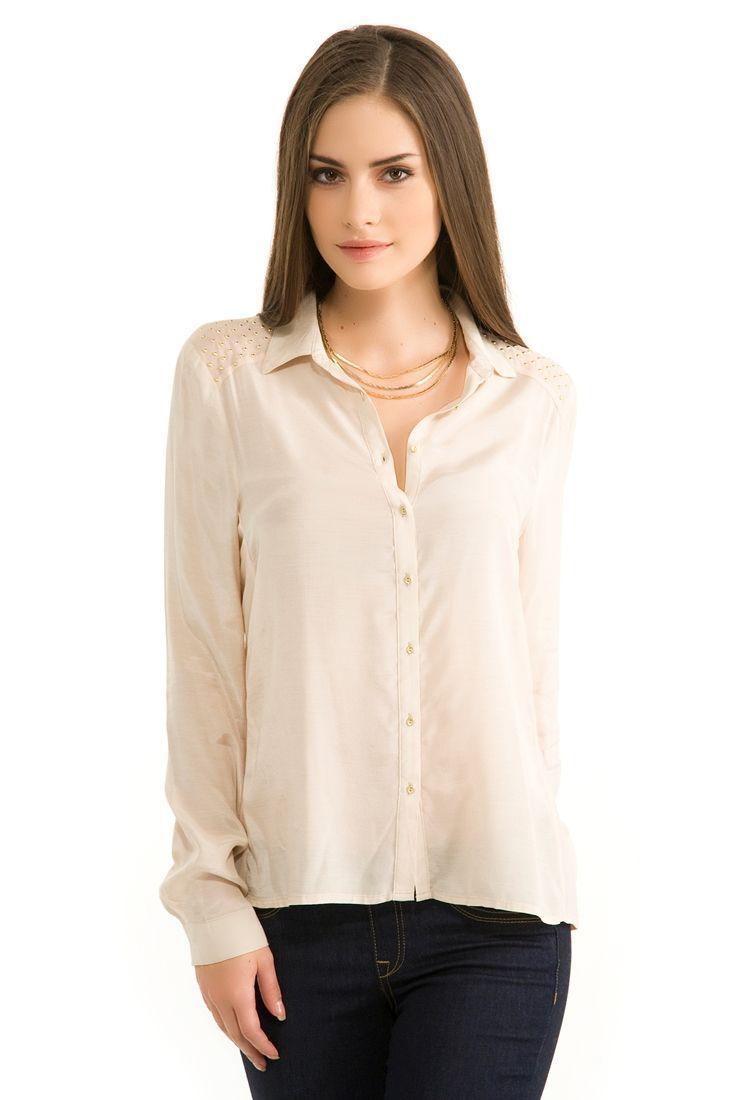 Krem Omuz Detaylı Gömlek
