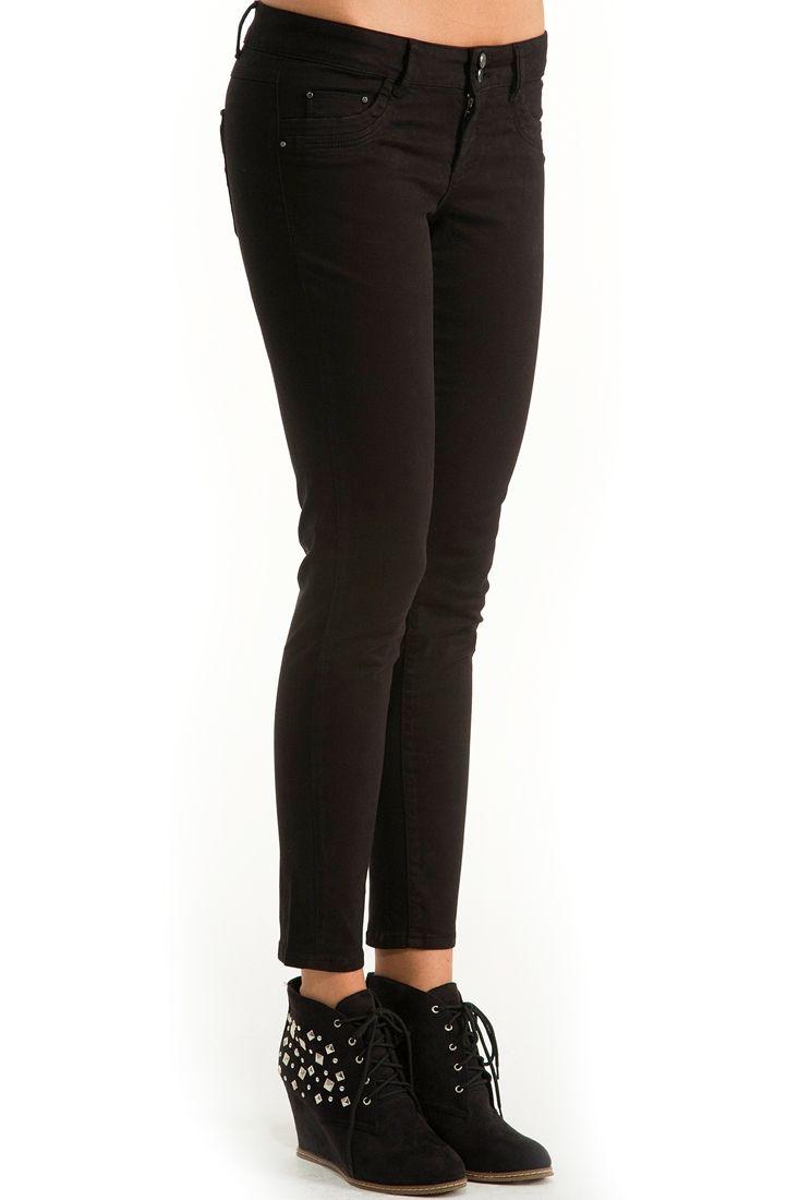 Siyah Dar Kesim Yıkamalı Pantolon