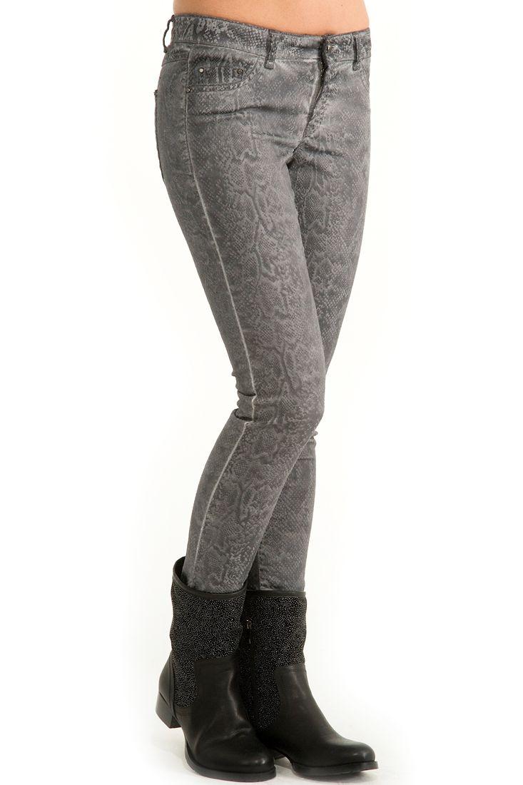 Gri Yılan Desenli Dar Pantolon