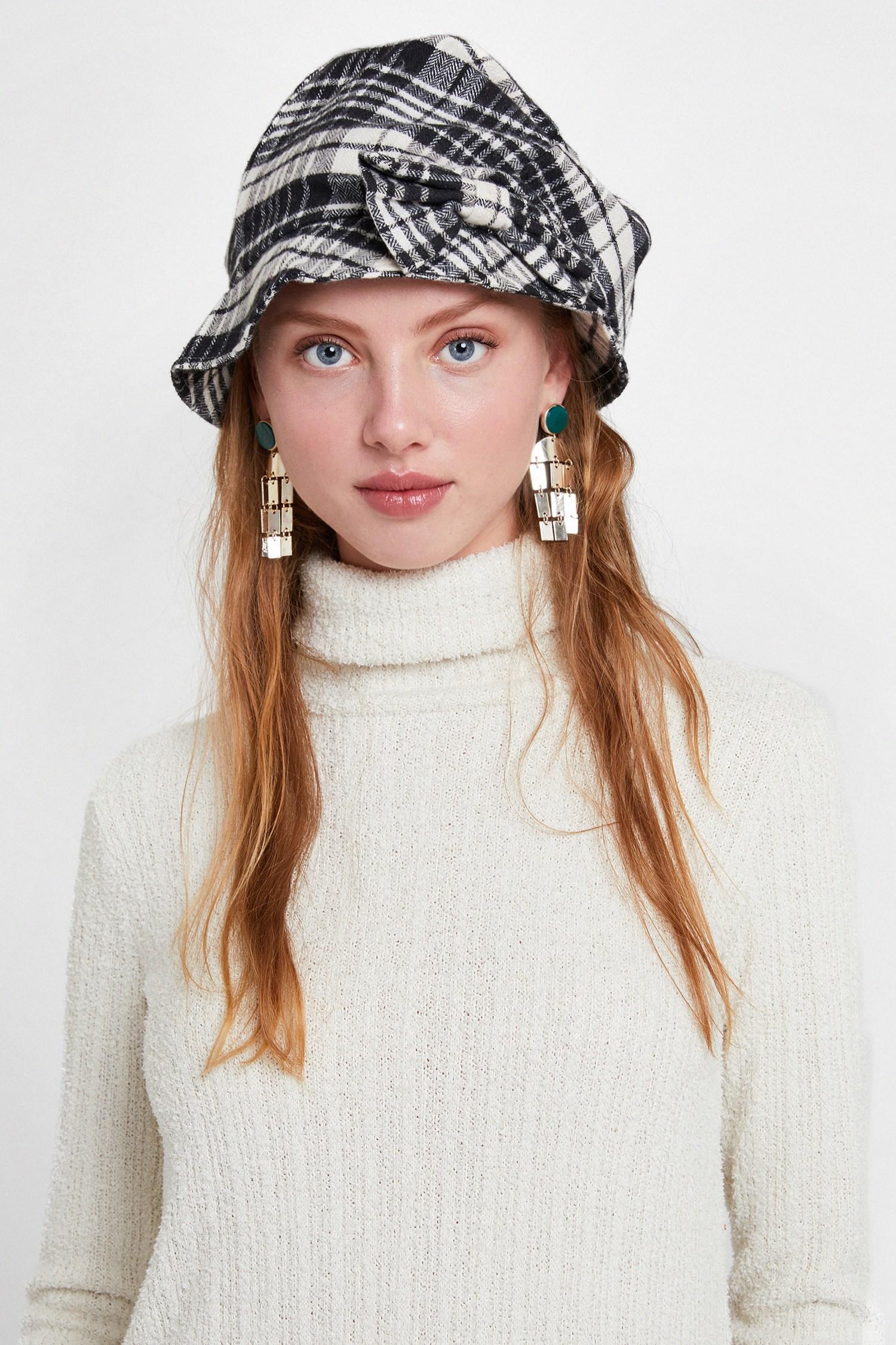 Bayan Siyah Ekose Desenli Şapka