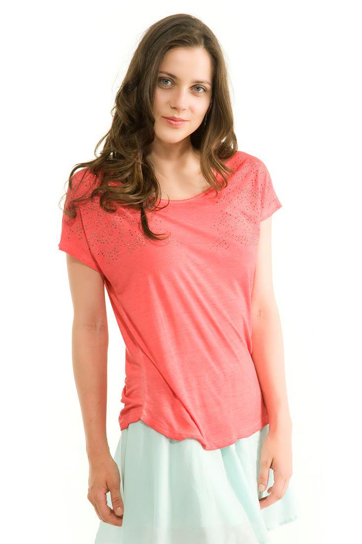 Kırmızı Metal Detaylı Bol Kesim Tişört