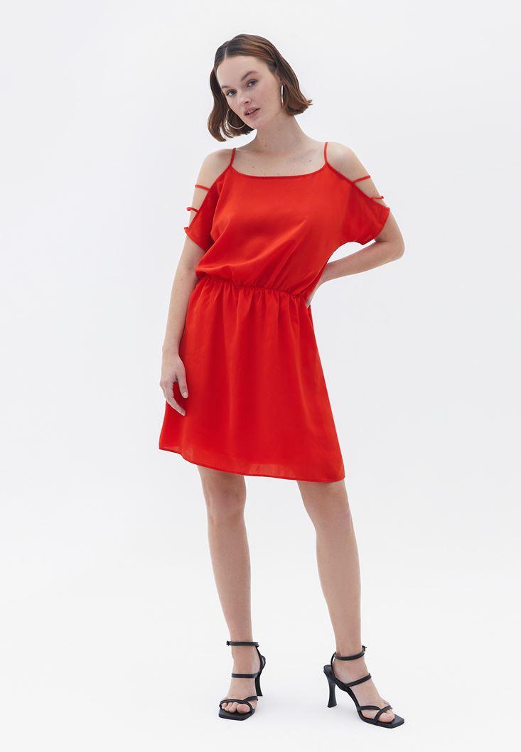 Kırmızı Kolları Düşük Elbise