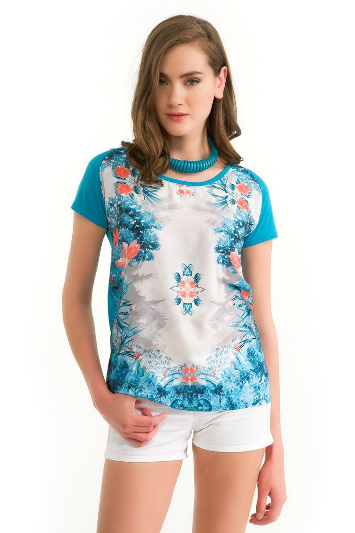 Mavi Çiçek Baskılı Tişört