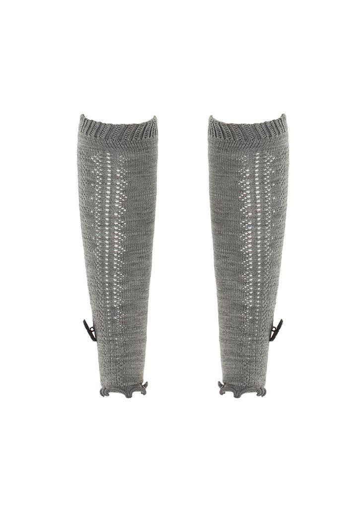 Gri Düğme Detaylı Akrilik Çorap