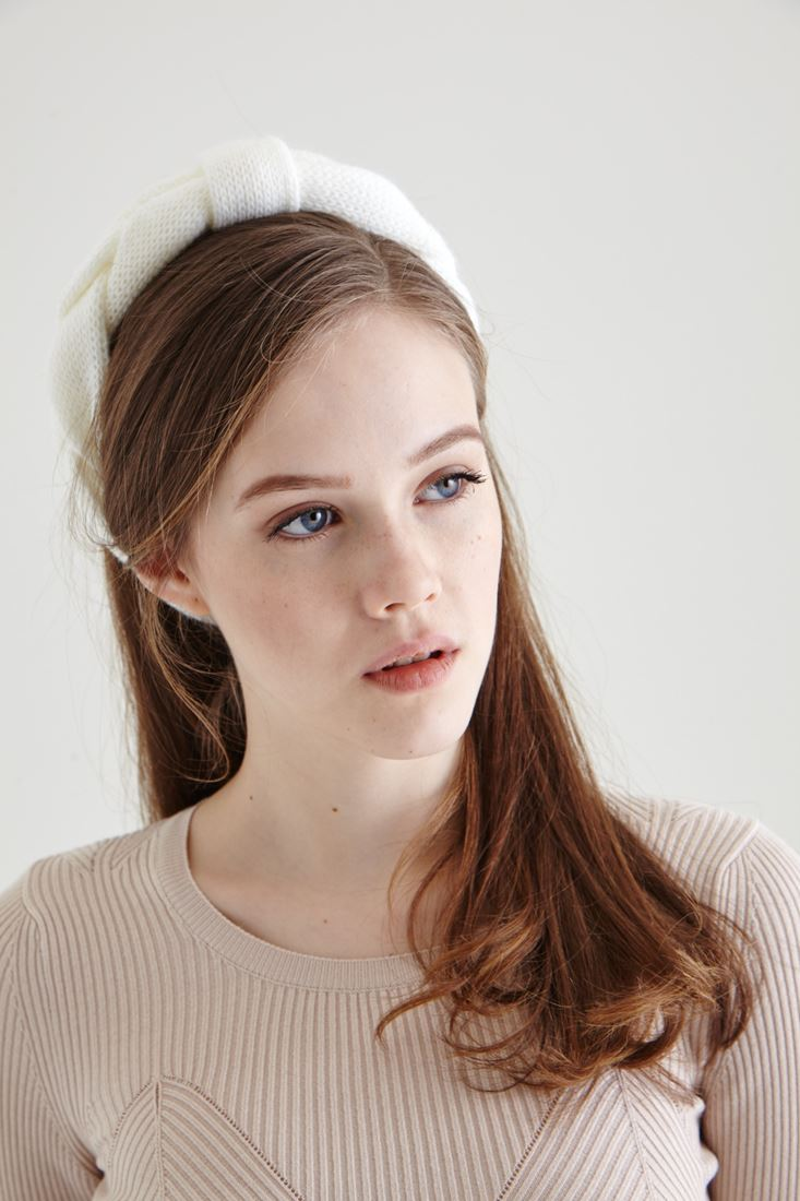 Cream Knitwear Hairband