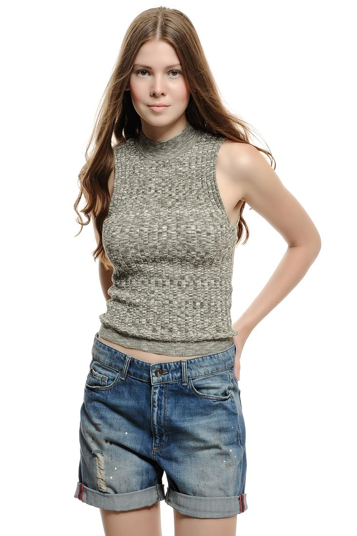 Green Sleeveless Knitting Blouse