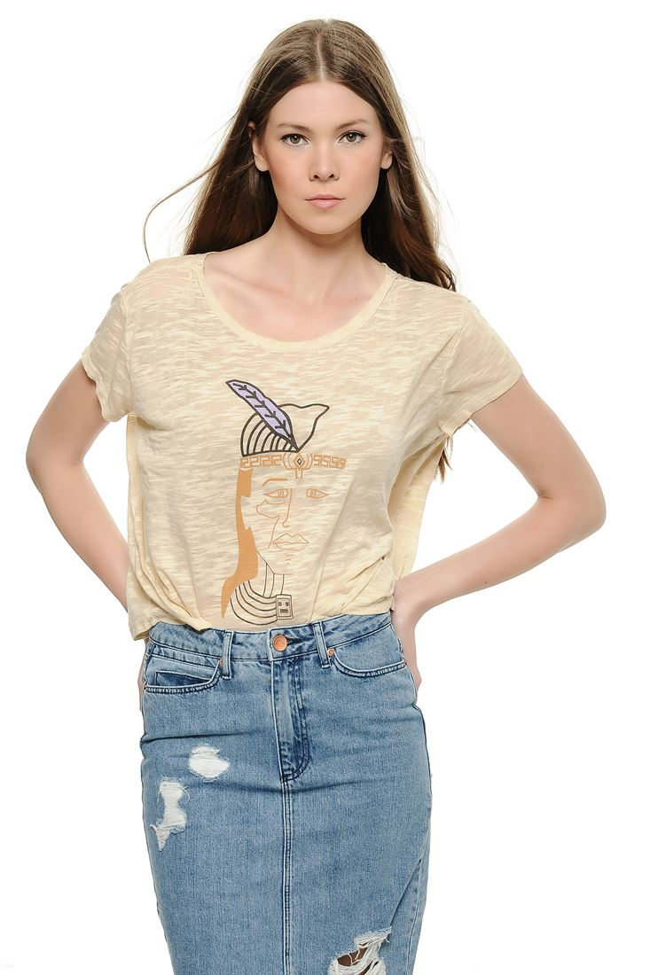 Cream Face Printed Crop T-shirt