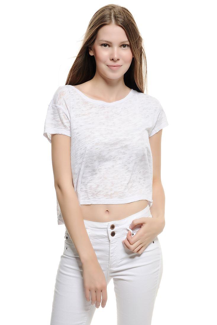 Bayan Beyaz Dökümlü Kısa Tişört