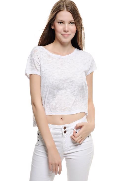Beyaz Dökümlü Kısa Tişört