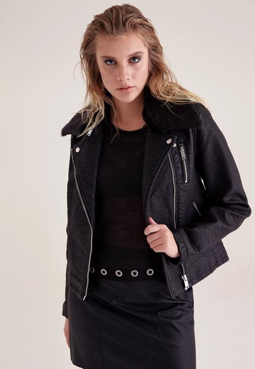 Siyah Yakası Kürk Detaylı Deri Ceket